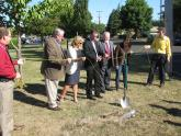 Federal and local officials cutting the ribbon at LCOG's groundbreaking ceremony